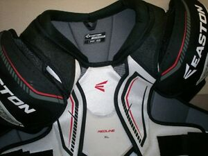 Plastron Sénior NEUF de hockey Easton Senior Chest Pads NEW.