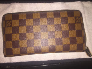 AUTHENTIC LOUIS VUITTON PARIS WALLET *BRAND NEW*