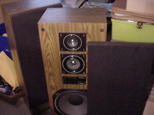 Vintage Mitsubishi rare stereo floor speakers