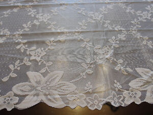 """NEW Square tablecloth  in white lace (35"""" X 35"""") Kitchener / Waterloo Kitchener Area image 2"""