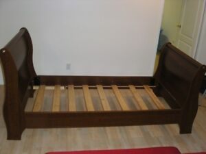 Single bed frame/Lit 1 place