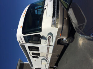 1999 FORD CRUISE MASTER RV FOR SALE.