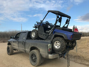 Utv riser with ramps