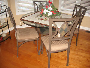 DINETTE SET Stratford Kitchener Area image 1