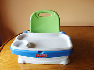 The Fisher-Price Healthy Care Deluxe Booster Seat Kitchener / Waterloo Kitchener Area image 3