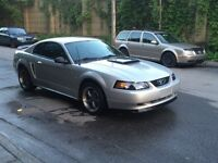 1999 Ford Mustang Gt tres propre bas millage