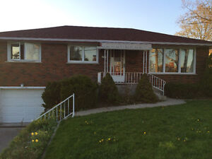 BEAUTIFUL 5 BEDROOM STUDENT HOME FOR RENT IN PETERBOROUGH. CLOSE