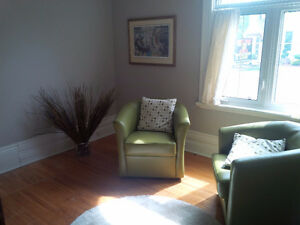 Intimate & calming small coaching & meeting room rentable hourly
