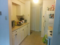2 Bedroom Bright Clean Secure Apartment