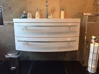 Wall hung sink unit