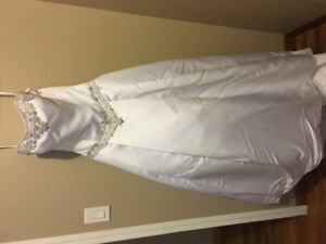 Beautiful Wedding Dress and Excessories