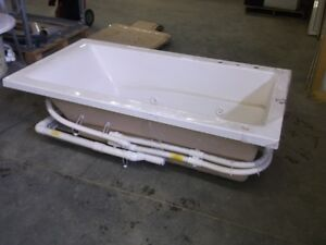 Large Variety of Jetted and Non Jetted Soaker Tubs Edmonton Edmonton Area image 1