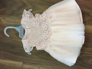 Baby girl dress - brand new - $12 - size 0-3