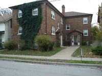 ST. CATHARINES-Spacious Bachelor-Walk to Bus Station