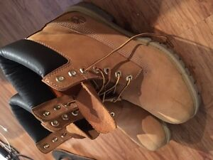 Size 10.5 men's timberland boots 80$ obo
