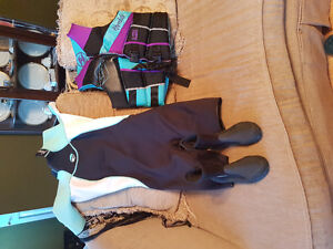 Wetsuit/booties and life vest