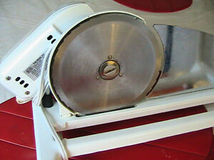 Universal meat slicer  Cutting, machine West Island Greater Montréal image 1