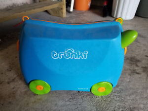 trunki ride on suitcase for kids.