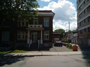 ROSEMONT EST: Grande Maison, cachet, LIBRE: 3250$/mois