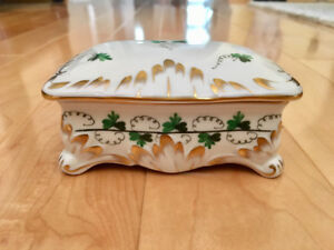 Herend Hungary Jewelry Box with Lid