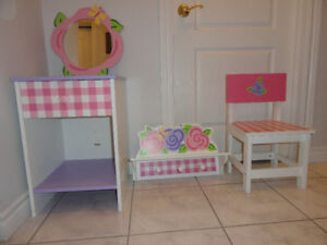 CHILD'S 4-PIECE WOODEN TABLE, MIRROR, CHAIR, SHELF
