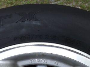 pneus d'été 235-75-15 michelin LTX M-S avec mag toyota 6x139