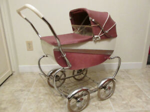 Vintage Doll Buggy / Carriage