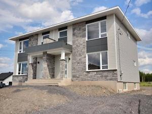 St-Apollinaire | Jumelé cottage 2 étages à vendre