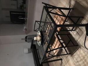 Table et 4 chaises impeccable