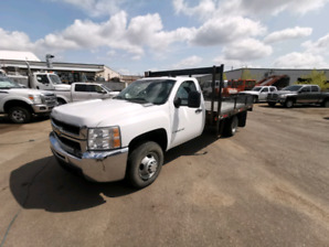 2007 chevy 3500 deck truck