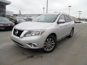 2014 NISSAN PATHFINDER SL - Off lease, one owner, 4x4