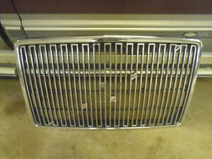 Volvo bumper and grille