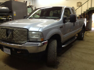 2003 Ford E-350 Pickup Truck