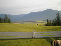 CRESTON BC.Home/Garage with acreage.Southern Valley+Water Views