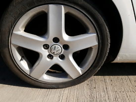 Mk5 vw golf 17 inch alloys with tyres and nuts