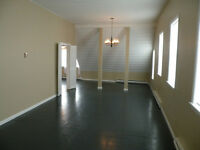 MEAFORD- LARGE BRIGHT 2 BDRM APT. BY BEAUTIFUL JOE PARK
