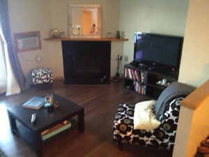 2 Bedroom Condo Near UofM