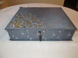 2 Stunning Jewelry Cases With Starburst Gem Design