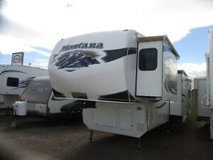 2010 Keystone Montana 3455SA Fifth Wheel with 4 slides