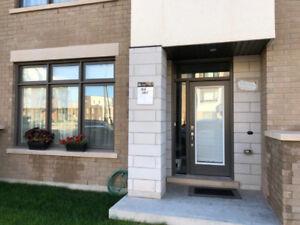 Townhouse for Rent - Dundas/ Ernest appelbe blvd