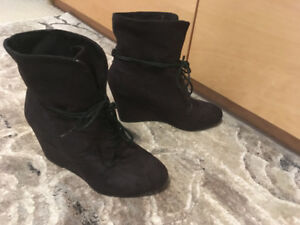 Women's Expression brand Hudson Bay wedge boots