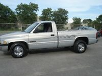 1998 Dodge 5 speed cummins Pickup Truck