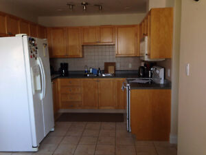 This is a bright and spacious 2 bedroom Condos AVAILABLE JUNE 1