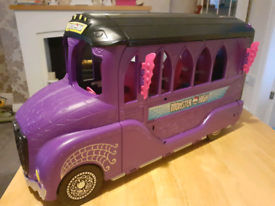 Monster High bus large