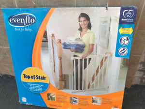 Safety Gate (Evenflo) for kids