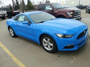 2017 Ford Mustang V6 Coupe! Only 700 KMS!