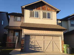 3 BRM, 2.5 WRM, DOUBLE CAR GARAGE SINGLE FAMILY HOME IN AIRDRIE