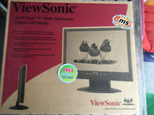 ViewSonic 19'' LCD monitor, little used, like new.