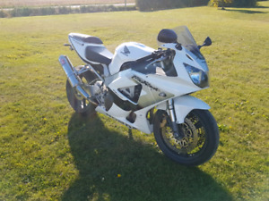 2001 CBR929RR Sell or Trade Low KM