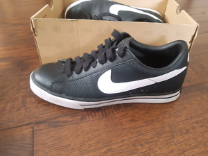 Nike Air Force low size 12